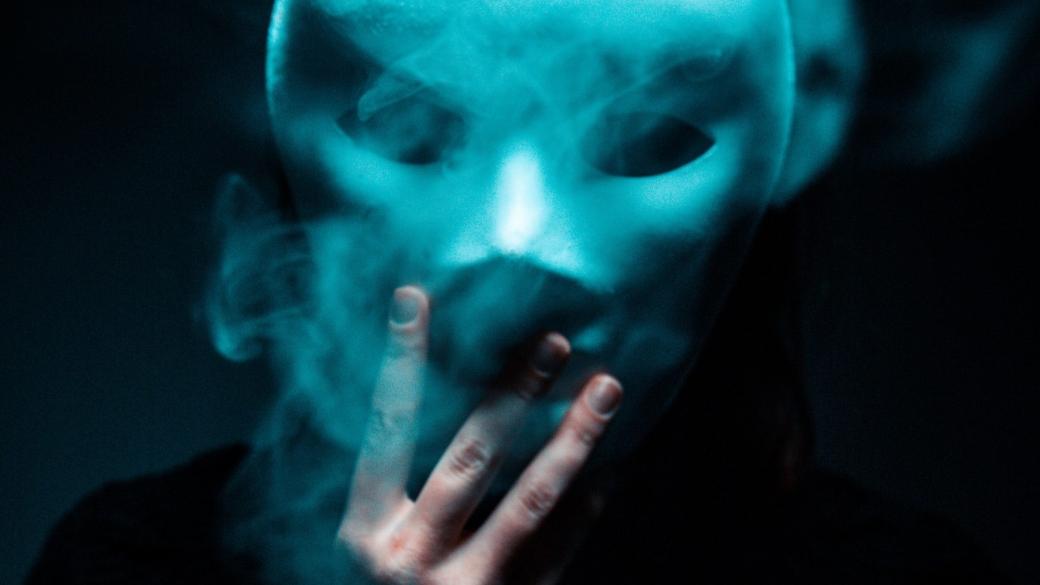 black-top-conceptual-creepy-2590621